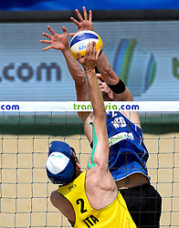 18-07-2014 NED: FIVB Grand Slam Beach Volleybal, Scheveningen<br /> Knock out fase - Robert Meeuwsen
