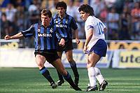 Håndball<br /> Bundesliga Tyskland<br /> Foto: imago/Digitalsport<br /> NORWAY ONLY<br /> <br /> 28.05.1989  <br /> <br /> Lothar Matthäus (li., Inter) gegen Diego Armando Maradona (Napoli); Serie A 1988/1989, 1. Italienische Liga, FC Internazionale Milan - SSC Napoli