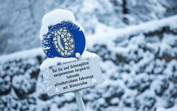 THEMENBILD - Starke Schneefälle waren gestern und heute in großen Teilen Österreich zu verzeichnen. Chaos auf Straßen, Winterdienste im Dauereinsatz und malerische Landschaften waren die Folge, aufgenommen am 05.01.2017 in Weer // Heavy snowfalls were recorded yesterday and today in large parts of Austria. Chaos on roads, winter services in continuous use and a beautiful scenery were the result, Weer, Austria on 2016/12/31. EXPA Pictures © 2016, PhotoCredit: EXPA/ Jakob Gruber