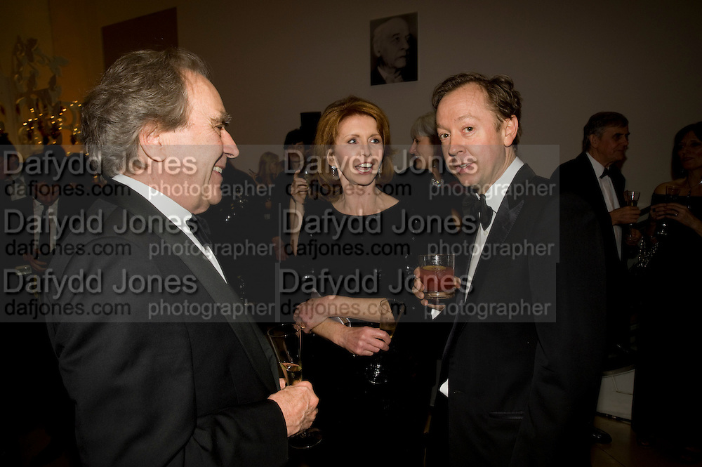 GERALD SCARFE; JANE ASHER; GEORDIE GREIG, National Portrait Gallery fundraising Gala in aid of its Education programme, National Portrait Gallery. London. 3 March 2009 *** Local Caption *** -DO NOT ARCHIVE-© Copyright Photograph by Dafydd Jones. 248 Clapham Rd. London SW9 0PZ. Tel 0207 820 0771. www.dafjones.com.<br /> GERALD SCARFE; JANE ASHER; GEORDIE GREIG, National Portrait Gallery fundraising Gala in aid of its Education programme, National Portrait Gallery. London. 3 March 2009