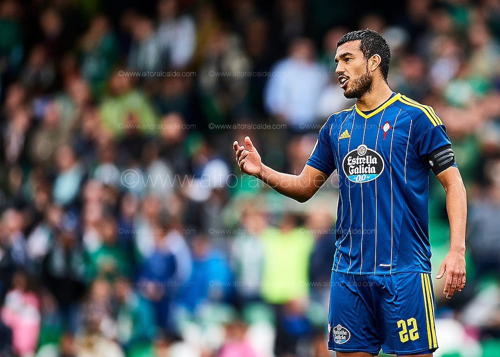 SEVILLE, SPAIN - DECEMBER 04:  Gabriel Cabaral of RC Celta de Vigo reacts during La Liga match between Real Betis Balompie an RC Celta de Vigo at Benito Villamarin Stadium on December 4, 2016 in Seville, Spain.  (Photo by Aitor Alcalde Colomer/Getty Images)