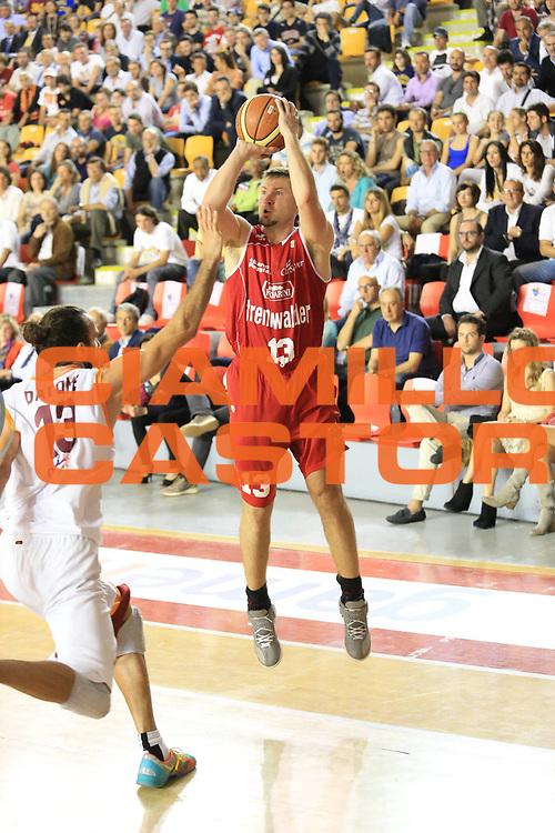 DESCRIZIONE : Roma Lega A 2012-2013 Acea Roma Trenkwalder Reggio Emilia playoff quarti di finale gara 1<br /> GIOCATORE : Slanina Donatas<br /> CATEGORIA : three points<br /> SQUADRA : Trenkwalder Reggio Emilia<br /> EVENTO : Campionato Lega A 2012-2013 playoff quarti di finale gara 1<br /> GARA : Acea Roma Trenkwalder Reggio Emilia<br /> DATA : 09/05/2013<br /> SPORT : Pallacanestro <br /> AUTORE : Agenzia Ciamillo-Castoria/M.Simoni<br /> Galleria : Lega Basket A 2012-2013  <br /> Fotonotizia : Roma Lega A 2012-2013 Acea Roma Trenkwalder Reggio Emilia playoff quarti di finale gara 1<br /> Predefinita :