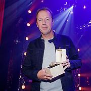 NLD/Hilversum/20190131 - Uitreiking Gouden RadioRing Gala 2019, Edwin Evers met prijs