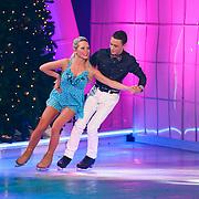NLD/Hilversum/20130101 - 1e Liveshow Sterren dansen op het IJs 2013, Monsif Bakkali en schaatspartner Patti Petrus