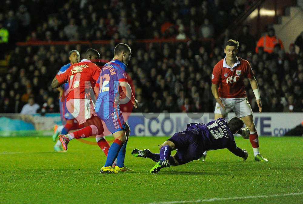 Bristol City's Jay Emmanuel-Thomas beats the doncaster defence to score his second of the game  - Photo mandatory by-line: Joe Meredith/JMP - Mobile: 07966 386802 - 13/01/2015 - SPORT - Football - Bristol - Ashton Gate Stadium - Bristol City v Doncaster Rovers - FA Cup - Third Round replay