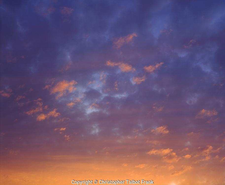 USA, California, San Diego, Sunsert Clouds