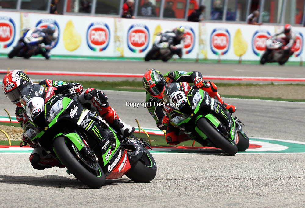 Foto Alessandro La Rocca/LaPresse<br /> 01-05-2016,    05 WorldSBK Motul Italian Round Imola, Autodromo Enzo e Dino Ferrari- 2016<br /> Sport-Motociclismo-WSBK <br />   05 WorldSBK Motul Italian Round Imola, Autodromo Enzo e Dino Ferrari- 2016<br /> nella foto:Jonathan Rea - Kawasaky ZX-10R- 2&deg; Cl. Gara 2<br /> <br /> Photo Alessandro La Rocca/ LaPresse<br /> 2016 01 May,    05 WorldSBK Motul Italian Round Imola, Autodromo Enzo e Dino Ferrari- 2016<br /> Sport- WSBK<br />    05 WorldSBK Motul Italian Round Imola, Autodromo Enzo e Dino Ferrari- 2016<br /> in the photo:Jonathan Rea - Kawasaky ZX-10R- 2&deg; Cl. Race 2