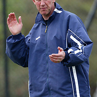 St Johnstone Training..10.05.02   <br />St Johnstone's boss Billy Stark conducts training before his team play their final SPL game before relegation<br />see story by Gordon Bannerman Tel:01738 553978<br /><br />Picture by Graeme Hart.<br />Copyright Perthshire Picture Agency<br />Tel: 01738 623350  Mobile: 07990 594431