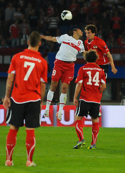 06.09.2011, Ernst Happel Stadion, Wien, AUT, UEFA EURO 2012, Qualifikation, Oesterreich (AUT) vs Tuerkei (TUR), im Bild Kopfballduell zwischen Umut Bulut, (TUR, #9) und Emanuel Pogatetz, (AUT, #4) // during the UEFA Euro 2012 Qualifier Game, Austria vs Turkey, at Ernst Happel Stadium, Vienna, 2011-09-06, EXPA Pictures © 2011, PhotoCredit: EXPA/ M. Gruber