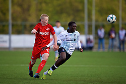 MOSCOW, RUSSIA - Tuesday, September 26, 2017: Liverpool's Bobby Adekanye and Spartak Moscow's Nikolai Rasskazov during the UEFA Youth League Group E match between Liverpool and Spartak Moscow FC at the Spartak Academy. (Pic by David Rawcliffe/Propaganda)