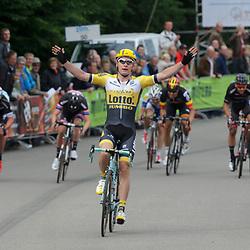 20-06-2015: Wielrennen: Ster ZLM Tour: La Gileppe<br /> LA GILEPPE (BEL) wielrennen<br /> Moreno Hofland heeft een dag na zijn nipte verlies in Buchten, de koninginnerit van de Ster ZLM Toer gewonnen. Bij het stuwmeer van La Gileppe sloeg de sprinter van Lotto-Jumbo zijn slag.Yves Lampaert van Etixx-QuickStep tweede, Zico Waeytens van Giant-Alpecin derde.