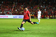 NONTHABURI, THAILAND - JULY 09: Theerathon of SCG Muangthong in action during the second half of the Thai League: SCG Muangthong United vs Buriram United at SCG Stadium, Nonthaburi, Thailand on July 09, 2017.<br /> .<br /> .<br /> .<br /> (Photo by: Naratip Golf Srisupab/SEALs Sports Images)<br /> .<br /> Any image use must include a mandatory credit line adjacent to the content which should read: Naratip Golf Srisupab/SEALs Sports Images