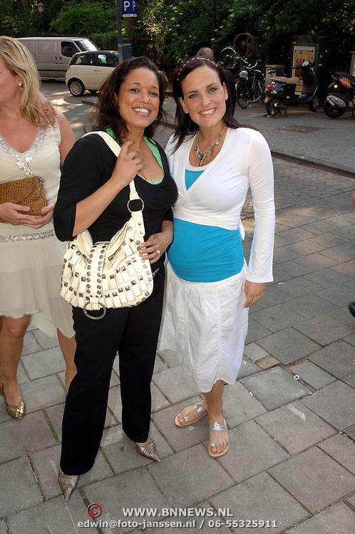 NLD/Amsterdam/20060613 - Uitreiking FHM 100 sexiest vrouwen 2006, zwangere zus Marieke van Ginneken en vriendin