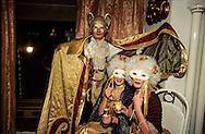 Hong Kong. masked ball in mid level    / Bal masquée à - Mid level - .  la grande bourgeoisie de la colonie  / R00057/40    L1782  /  P0000895