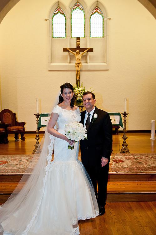 10/9/11 6:18:14 PM -- Zarines Negron and Abelardo Mendez III wedding Sunday, October 9, 2011. Photo©Mark Sobhani Photography