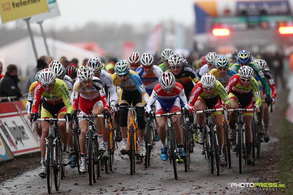 NETHERLANDS / NEDERLAND / PAYS BAS / GIETEN / CYCLING / WIELRENNEN / CYCLISME / CYCLOCROSS / VELDRIJDEN /  HANSGROHE SUPERPRESTIGE VELDRIJDEN / START /