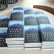 NL/Bloemendaal/20200702 - Boekpresentatie Bonuskind van Saskia Noort, Bonus kind boeken