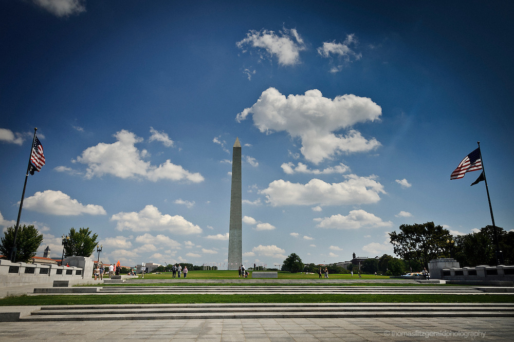 A view of the washington Monument looking from the WWII memorial