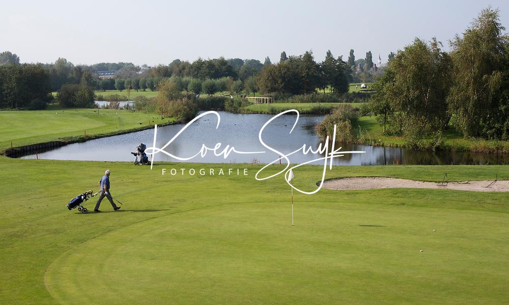 SCHIPLUIDEN - 2017 - Hole Geel 8. . Golfbaan DELFLAND . COPYRIGHT KOEN SUYK