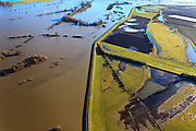 Nederland, Gelderland, De Voorster Klei , 20-01-2011; Voorsterklei (re), links van de bandijk de door het hoge water ondergelopen uiterwaard de Rammelwaard.High waters of the river IJssel near Zutphen. .luchtfoto (toeslag), aerial photo (additional fee required).copyright foto/photo Siebe Swart