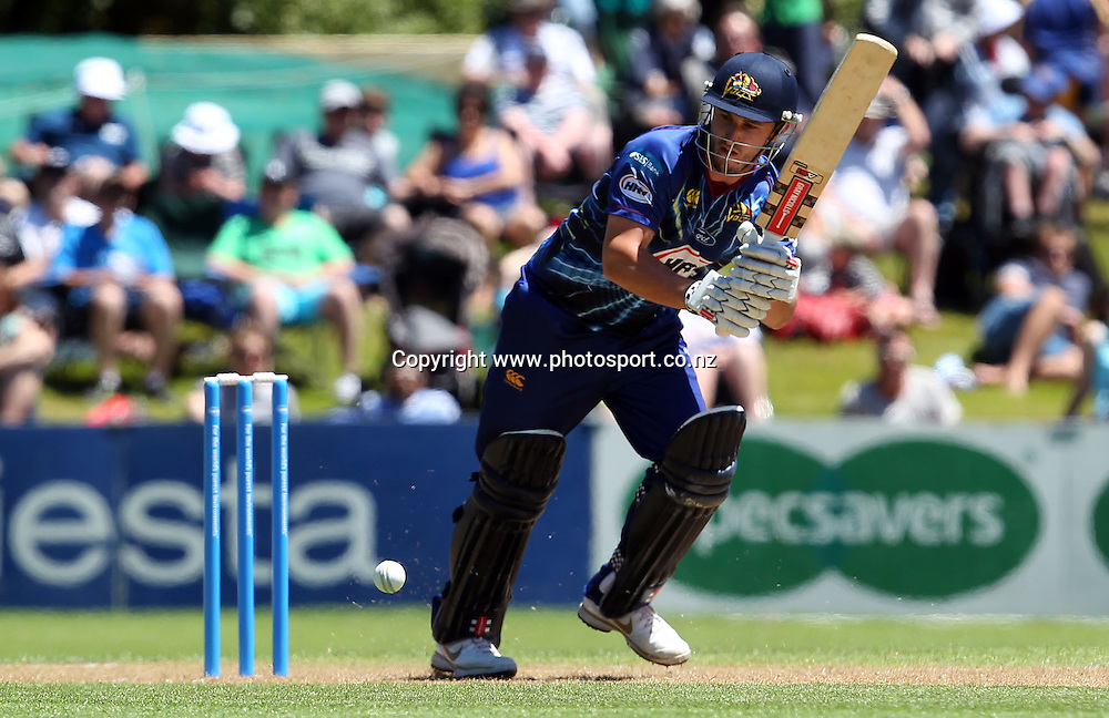 Hamish Rutherford of Otago in action against Wellington.<br /> Twenty20 Cricket - HRV Cup, SBS Bank Otago Volts v Hell Wellington Firebirds, 23 December 2012, University Oval, Dunedin, New Zealand.<br /> Photo: Rob Jefferies / photosport.co.nz