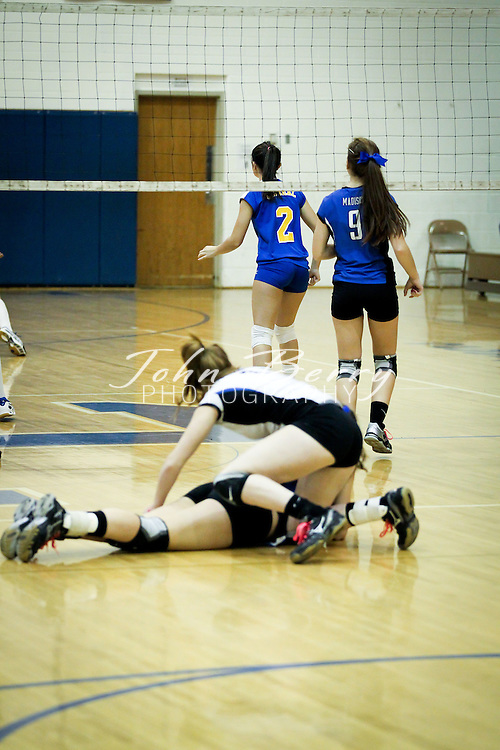 October/25/11:  MCHS Varsity Volleyball vs Central Woodstock.  Madison wins 3-0 (25-20, 25-15, 25-22).
