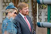 Zijne Majesteit Koning Willem-Alexander en Hare Majesteit Koningin Máxima brengen op uitnodiging van president Ram Nath Kovind een staatsbezoek aan de Republiek India.<br /> <br /> His Majesty King Willem-Alexander and Her Majesty Queen Máxima on a state visit to the Republic of India at the invitation of President Ram Nath Kovind.<br /> <br /> Op de foto / On the photo:Koning Willem-Alexander en koningin Maxima bezoeken de Barapullah Drain, een Nederlands-Indiase samenwerking op het vlak van watertechnologie en waterzuivering. /// King Willem-Alexander and Queen Maxima visit the Barapullah Drain, a Dutch-Indian collaboration in the field of water technology and water purification.