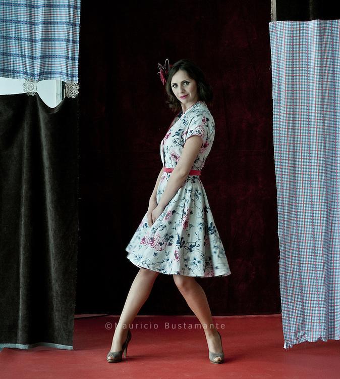 Models: Judith und Greta<br /> Visagistin: Anki Allgeyer<br /> Schuhen: Martina Petrovic <br /> Kollektion: Julia Vahjen<br /> Instalation: Paolo Moretto<br /> Fotograf: Mauricio Bustamante