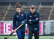 AMSTELVEEN - Hockey - Hoofdklasse competitie dames. AMSTERDAM-LAREN (2-0)  . coach Robert Jan Cox (Laren) . links Maxime Kerstholt (Laren)   COPYRIGHT KOEN SUYK
