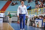 DESCRIZIONE : Cagliari Qualificazioni Campionati Europei 2011 Italia Lituania<br /> GIOCATORE : Giampiero Ticchi Coach<br /> SQUADRA : Nazionale Italia Donne<br /> EVENTO : Qualificazioni Campionati Europei 2011<br /> GARA : Italia Lituania<br /> DATA : 11/08/2010 <br /> CATEGORIA : Delusione<br /> SPORT : Pallacanestro <br /> AUTORE : Agenzia Ciamillo-Castoria/M.Gregolin<br /> Galleria : Fip Nazionali 2010 <br /> Fotonotizia : Cagliari Qualificazioni Campionati Europei 2011 Italia Lituania<br /> Predefinita :