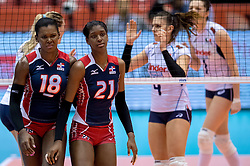17-05-2016 JAP: OKT Dominicaanse Republiek - Italie, Tokio<br /> Italië verslaat Dominicaanse Republiek  met 3-0 / Bethania De La Cruz De Pena #18 C, Jineiry Martinez #21