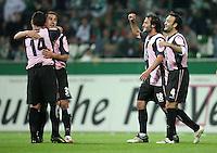 Fussball  UEFA Pokal  Halbfinale  Rueckspiel  Saison 2006/2007 Werder Bremen - Espanyol Barcelona              ITO, Angel MARTINEZ, Francisco RUFETE und Jesus Maria LACRUZ (v.l, alle Barcelona) jubeln nach dem Abpfiff