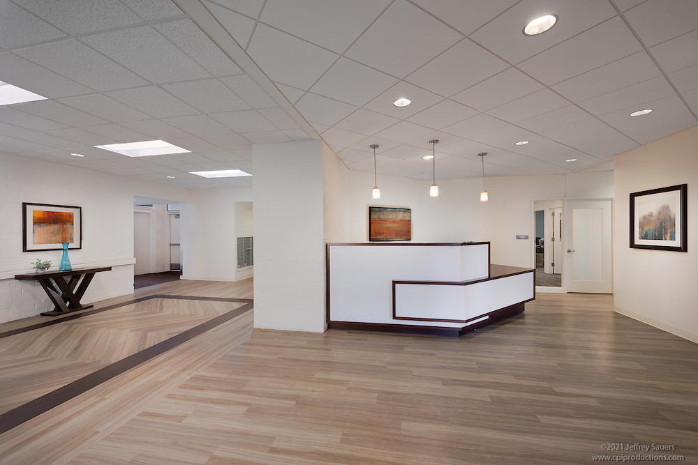 Interior image of the main lobby at the Allendale Apts in Baltimore Maryland by Jeffrey Sauers of Commercial Photographics, Architectural Photo Artistry in Washington DC, Virginia to Florida and PA to New England