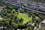 Nederland, Amsterdam, Amsterdam-Oost, 12-05-2009; Oosterpark met Eerste Oosterparkstraat..Swart collectie, luchtfoto (toeslag); Swart Collection, aerial photo (additional fee required).foto Siebe Swart / photo Siebe Swart