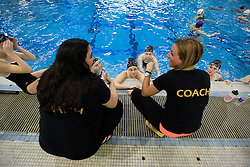 Coaches/Entra&icirc;neures: Erica Bergman, Brittany Laroche<br />
