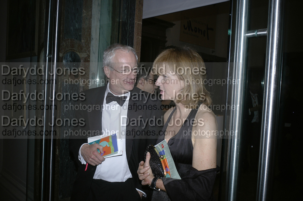 CHRIS SMITH AND JULIA PEYTON-JONES, Royal Academy Annual Dinner. Piccadilly. London. 5 June 2007.  -DO NOT ARCHIVE-© Copyright Photograph by Dafydd Jones. 248 Clapham Rd. London SW9 0PZ. Tel 0207 820 0771. www.dafjones.com.