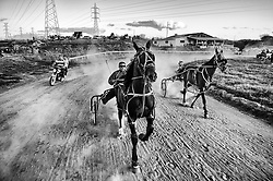 Cadeirantes em corrida de charretes na cidade de Porto Alegre./ Wheelchair in chariot race in Porto Alegre. RS, Brasil - 2012