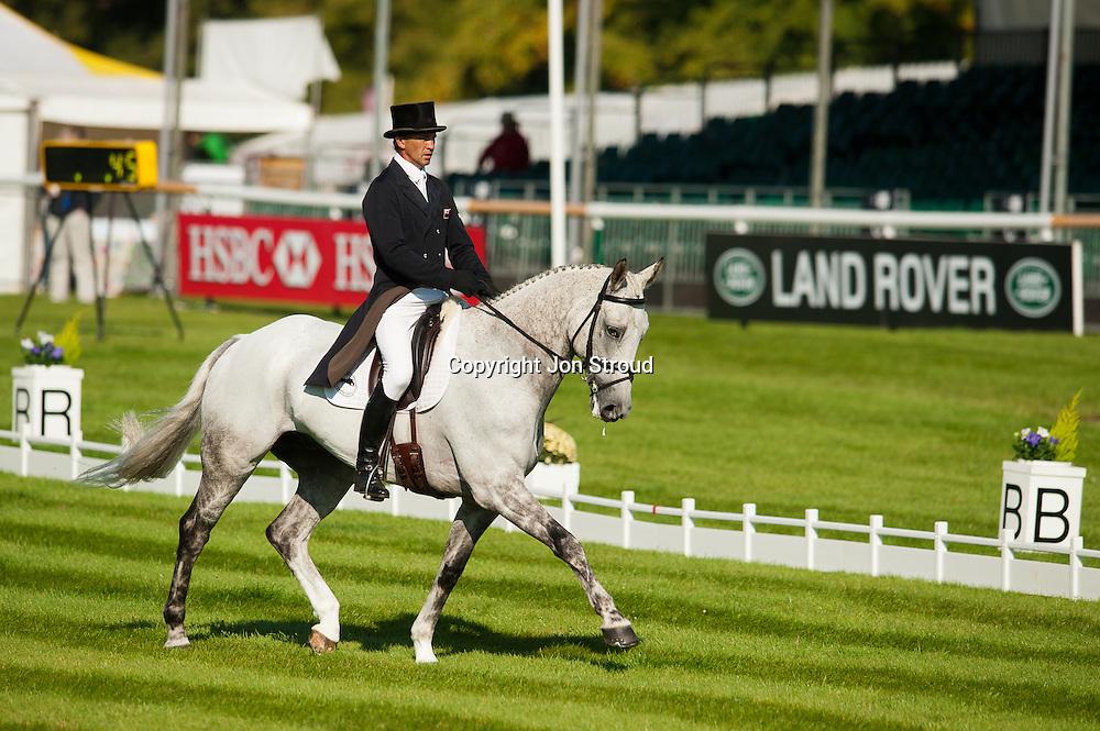 Andrew Nicholson (NZL) & Avebury - Dressage - The Land Rover Burghley Horse Trials - Stamford, Lincolnshire, United Kingdom - 1 September 2011