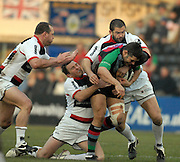 Twickenham, GREAT BRITAIN, Quins, Nick EASTER, breaking through, left richard HILL, Glen JOHNSON and Andy FARRELL tackling, during the Guinness Premiership game Harlequins [Quins] vs Saracens at the Stoop, Middx, 22/12/2007 [Mandatory Credit Peter Spurrier/Intersport Images]