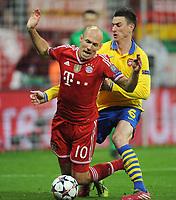 Fotball<br /> UEFA Champions League<br /> Foto: imago/Digitalsport<br /> NORWAY ONLY<br /> <br /> 11.03.2014, Saison 2013-2014, UEFA Champions League, Achtelfinale, FC Bayern München - Arsenal London 1-1, Elfmeter für Bayern - Arjen Robben (Bayern München), li., kommt gegen Laurent Koscielny (Arsenal London) zu Fall