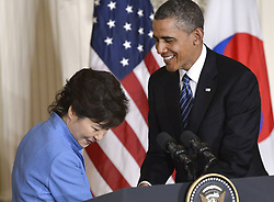 59613453  .U.S. President Barack Obama (R) shakes hands with visiting South Korean President Park Geun-hye during a joint press conference after their meetings in the East Room of the White House in Washington D.C., capital of the United States, May 7, 2013. Photo by:  imago / i-Images.UK ONLY