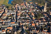 Nederland, Gelderland, Zaltbommel, 11-02-2008; stadscentrum van de vestingstad aan de oevers van de rivier de Waal, met de toren van de Grote of Sint-Maartenskerk, Bommelerwaard, kerktoren, bommel, binnenstad, ..luchtfoto (toeslag); aerial photo (additional fee required); .foto Siebe Swart / photo Siebe Swart.