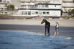 VDL Glasgow v Merelsnest <br /> Sunday morning beach training - La Baule 2016<br /> © Hippo Foto - Dirk Caremans<br /> 15/05/16