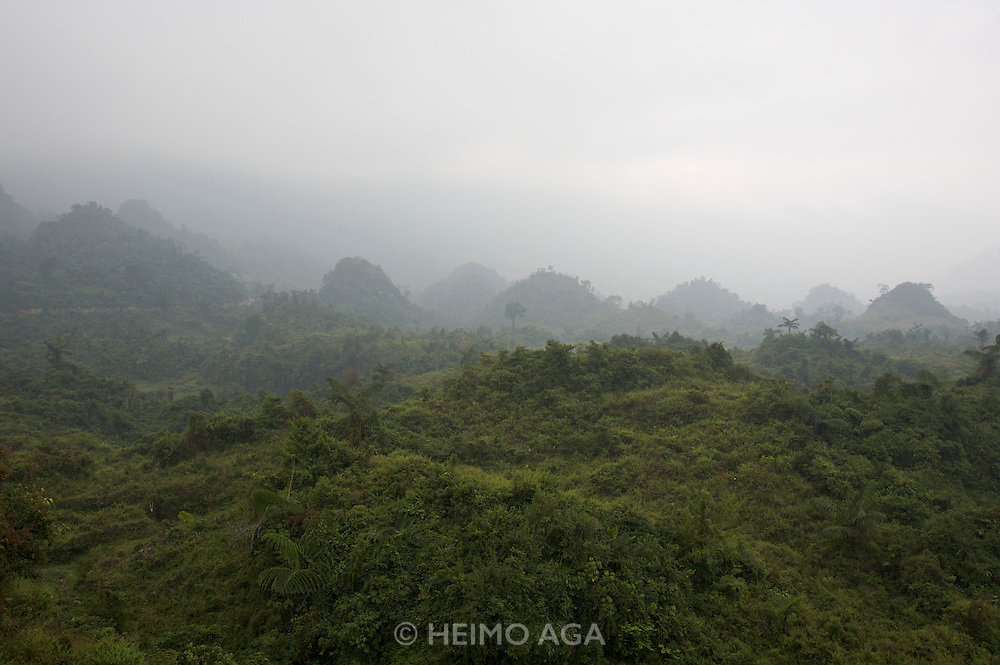 Hoang Lien Mountains. On the road from Pa Tan to Sinho.