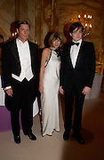 Shelby Bryan, Anna Wintour and Charlie Wintour. Crillon 2004 Debutante Ball. Crillon Hotel. Paris. 26 November 2004. ONE TIME USE ONLY - DO NOT ARCHIVE  © Copyright Photograph by Dafydd Jones 66 Stockwell Park Rd. London SW9 0DA Tel 020 7733 0108 www.dafjones.com
