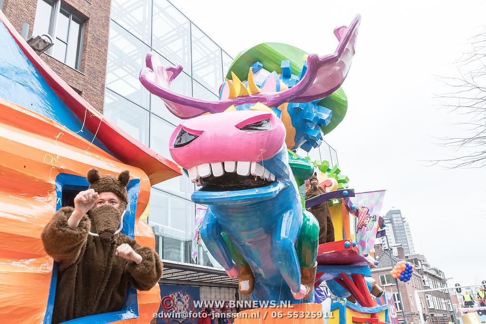 NLD/Eindhoven/20190302  - Romario bij carnavalsoptocht 2019 in Eindhoven, Praalwagen Wild Schieten