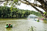 Lago no Parque Malwee. Jaraguá do Sul, Santa Catarina, Brasil. / Lake at Malwee Park. Jaragua do Sul, Santa Catarina, Brazil.