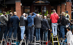 © Licensed to London News Pictures. 16/04/2018. London, UK. Photographers surround TV presenter ANT MCPARTLIN as he reads a statement outside Wimbledon Magistrates Court in London after pleading guilty to the charged of drink driving. Photo credit: Ben Cawthra/LNP