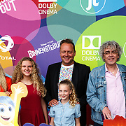 NLD/Hilversum/20150715 - Premiere Binnenstebuiten, Peggy Vrijens, Elaine Hakkaart, Richard Groenendijk, .......... en Nafiesa Rasoelbaks