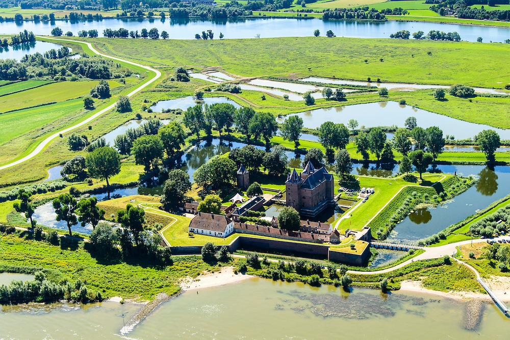 Nederland, Gelderland, Gemeente Zaltbommel, 23-08-2016; Poederoijen, Slot Loevestein, kasteel, strategisch gelegen op de plaats waar Waal en Maas in het verleden samenkwamen (nu  Afgedamde) Maas. Loevestein maakt deel uit van de Hollandse Waterlinie.<br /> Loevestein, castle, strategically located at the place where Waal and Meuse in the past came together. Loevestein is part of the Holland Waterline (defense line).<br /> <br /> aerial photo (additional fee required); <br /> luchtfoto (toeslag op standard tarieven); copyright foto/photo Siebe Swart